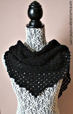 Free Crochet Pattern Dark Comfort Shawl @OombawkaDesign, thanks so xox ☆ ★ https://www.pinterest.com/peacefuldoves/