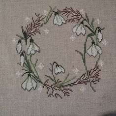 Grit's Life: Kreuzstich – Needlepoint 2020 Needlepoint Designs, Needlepoint Stitches, Needlework, Cross Stitching, Cross Stitch Embroidery, Cross Stitch Patterns, Stitches Wow, Easter Cross, Hand Embroidery Designs