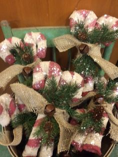 60 Burlap Christmas Decorations To Bring in that Rustic Christmas Vibe in a Jiffy - Hike n Dip Burlap Christmas Decorations, Burlap Christmas Tree, Christmas Jars, Magical Christmas, Rustic Christmas, Christmas Wreaths, Christmas Christmas, Primitive Christmas Crafts, Christmas Angel Crafts