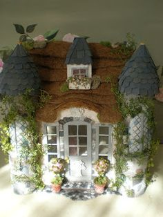 Cinderella Moments: Someday My Prince Will Come Cottage Dollhouse