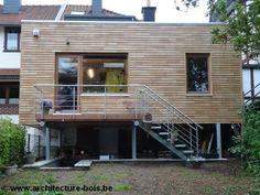 http://www.architecture-bois.be/une-extension-bois-recouverte-de-robinier-ajoure-posee-sur-pilotis-en-acier-galvanise/