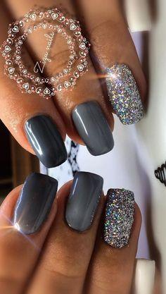 Cute short grey nails with glitter design! : Cute short grey nails with glitter . - - Cute short grey nails with glitter design! : Cute short grey nails with glitter design! Classy Nails, Stylish Nails, Trendy Nails, Cute Nails, Grey Nail Art, Gray Nails, Shiny Nails, Short Nails Shellac, Perfect Nails