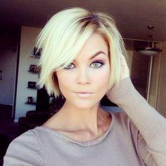 A frizuránk nagyon fontos, hiszen a stílusunkat tükrözi. Sokan szeretnének változtatni a frizurájukon, de nem tudják, milyen hajforma lenne jó választás. Ma több csodálatos frizurát mutatunk, amelyek szinte minden hölgynek remekül állnak....