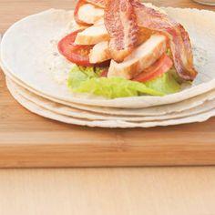 Wraps César au poulet   Ricardo Chicken Caesar Wrap, Ricardo Recipe, Pickle Relish, Baking With Kids, Green Tomatoes, Brunches, Lemon Chicken, Enchiladas, Lettuce