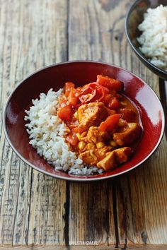 Curry with turkey, corn and tomatoes - The rice and curry look really yum together