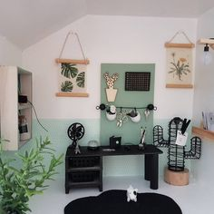 Modern Dollhouse Here you will find the most beautiful, hip and modern dollhouse inspiration for your DIY project. Miniature Furniture, Furniture Styles, Dollhouse Furniture, Barbie Furniture, Furniture Design, Ikea Dollhouse, Modern Dollhouse, Diy Dollhouse Miniatures, Dollhouse Ideas