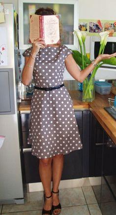 08/2012 - tobe modif : supprimé les fronces de la jupe. pas de doublure et zip plus long.