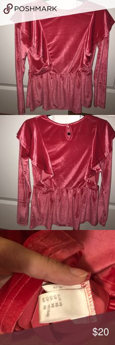 💞Velvet ruffled top💞 Only worn once in excellent condition. Feel free to ask any questions or make an offer! Tops
