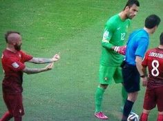 A moment to appreciate raul meireles' sassiness