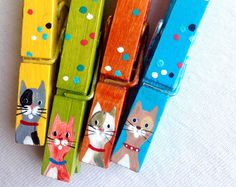 Cat clothespins orange blue yellow green hand painted magnets by sugarandpaint on etsy artesaniasrecicladas Decorated Clothes Pins, Painted Clothes Pins, Craft Stick Crafts, Christmas Crafts, Mini Hot Dogs, Clothespin Art, Clothes Pin Wreath, Childrens Artwork, Clothes Crafts