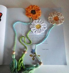 Crochet Applique Patterns Free, Crochet Bookmark Pattern, Crochet Gloves Pattern, Crochet Bookmarks, Crochet Animal Patterns, Knitting Patterns, Crochet Hats, Love Crochet, Crochet Flowers