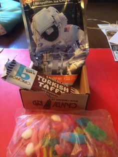 June 2014 Munch Box Candy review is here courtesy of @candykid_co ! Review at subscriptionist.com
