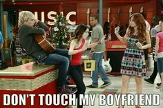 Austin and Ally and Jessie episode. It was good, Ally was very protective Jessie, Austin E Ally, Austin Moon, Calum Worthy, Disney Channel Stars, Laura Marano, Lady And The Tramp, Girl Meets World, Ross Lynch