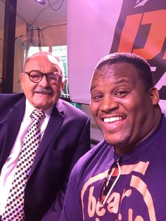 1979 Hall of Famer!!!  The great Dick Butkus!!  His hands look like boxing gloves!!