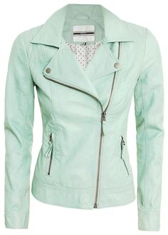 mint jacket my-style Top Mode, Mode Plus, Fashion Mode, Look Fashion, Womens Fashion, Looks Style, Style Me, Green Jacket, Woman Clothing