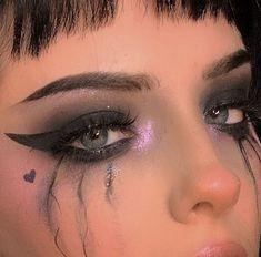 Super Ideas Edgy Makeup Looks Grunge Eyes Edgy Makeup, Eye Makeup Art, Dark Makeup, Makeup Inspo, Eyeshadow Makeup, Makeup Inspiration, Beauty Makeup, Hipster Makeup, Goth Beauty
