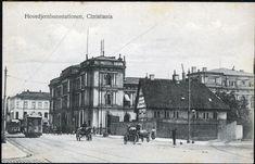 Christiania Kristiania Hovedjernbanestationen med to trikker bl.a. trikken til Bygdø og folk Utg E. A. Schjørn tidlig 1900-tallet