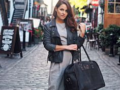 Our gorgeous Large Vintage Leather Travel Holdall Bag - now available in Black Leather! https://www.scaramangashop.co.uk/item/8676/90/New-In/Black-Large-Vintage-Leather-Travel-Holdall-Bag.html