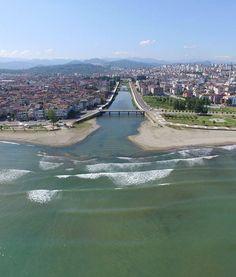 Civil nehri/Ordu/// Ordu şehir merkezinde denize dökülen akarsu çevre düzenlemesi yapılarak çok daha yaşanılası bir yer haline getirilebilir.