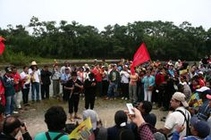 El Pangui, Zamora Chinchipe, Amazonía. Los marchantes se preparan para salir. 8 marzo, Día de la Mujer Trabajadora