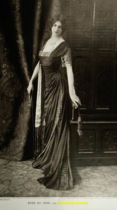 Edwardian Gown, after Jeanne Margaine-Lacroix «Repleating History Repleating History Vintage Glamour, Romance Vintage, Vintage Ladies, 1900s Fashion, Edwardian Fashion, Retro Fashion, Vintage Fashion, Vintage Style, Old Photos