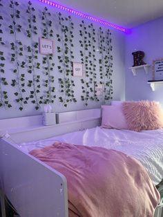Cute Bedroom Decor, Bedroom Decor For Teen Girls, Room Design Bedroom, Room Ideas Bedroom, Small Room Bedroom, Bedroom Inspo, Diy Teen Room Decor, Dream Teen Bedrooms, Wall Decor