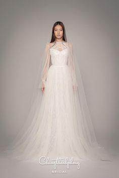 Bridal Outfits, Bridal Gowns, Top Wedding Dresses, Prom Dresses, Vogue Wedding, Fairytale Dress, Wedding Looks, Wedding Bridesmaids, Dream Dress