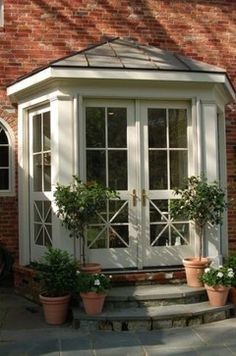 Using An Architect To Create Home Addition Plans Bay Window Benches, Window Seats, Exterior Design, Interior And Exterior, Bay Window Exterior, French Doors Patio, French Windows, Garage Renovation, Traditional Exterior