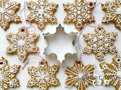 I love decorating the tree with edible ornaments! These snowflake cookies were made using my gingerbread cookie recipe, which you can find here. -- The snowflake cookie cutter that I used for this project is available at AnnClarkCookieCutters Snowflake Cookie Cutter, Snowflake Cookies, Iced Cookies, Holiday Cookies, Snowflake Ornaments, Christmas Gingerbread, Noel Christmas, Christmas Baking, Christmas Treats