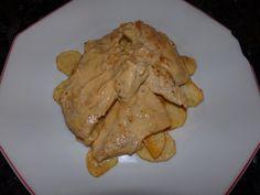 Pechuga con nata en cama de patatas, toda la receta en www.saboreamisrecetas.com
