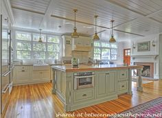 Between Naps on the Porch   10 Dream Kitchens: Cottage, French Country and Traditional At Its Best   http://betweennapsontheporch.net