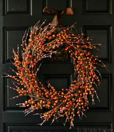 Wanting to decorate for the Fall season? Make this beautiful and easy DIY Fall Wreath in 15 minutes.
