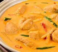 Recette du poulet Panang (curry rouge) au lait de coco |