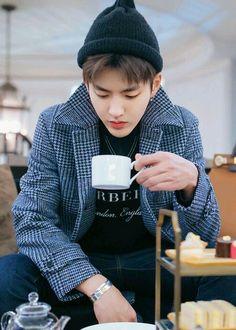 Wu Yi Fan, also known as Kris Chanyeol, Kris Wu, Kpop Exo, Exo K, Wattpad, K Pop, F4 Boys Over Flowers, Exo Facts, Huang Zi Tao