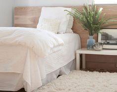 Wood headboard designs wood headboard so simple wood headboa Home Bedroom, Master Bedroom, Bedroom Decor, Bedroom Photos, Calm Bedroom, Airy Bedroom, Bedroom Rugs, Bedroom Apartment, Apartment Therapy