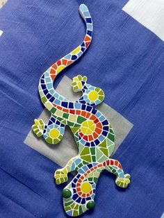 Mosaic Rocks, Stone Mosaic, Mosaic Glass, Glass Art, Stained Glass Designs, Mosaic Designs, Mosaic Patterns, Mosaic Animals, Mosaic Birds