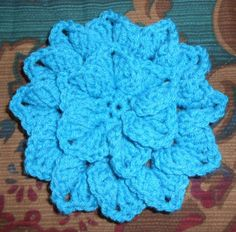 This flower can be worked with any weight of yarn. Finer weights will create a smaller flower, and bulkier weights will create a larger flower. Use the hook size appropriate for the yarn you choose...