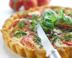 Tomaattipiiras, resepti – Ruoka.fi
