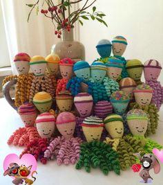 Deze inktvisjes zijn gemaakt door Sjoerdje Borger-Westra. Preemie Octopus, Crochet Baby, Knit Crochet, Doll Face, Babies, Knitting, Pattern, Fun, Crafts
