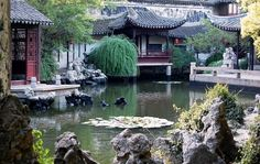 One of the main attraction of Tongli is Tuisi Yuan,  a gorgeous garden built by a retired official in 1886 as a place to retreat and mediate.