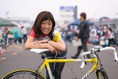 """一昔前に比べると圧倒的に数が増えた女性ライダー。自転車で通勤すると集中力が高まり仕事の能率がアップするというデータも存在します。つまり、""""自転車通勤=仕事ができる""""という方程式が組みあがったわけです。今回は自転車へ乗っている""""できる女""""ベンチャー女子の方々にその魅力と情熱を語っていただきました。"""