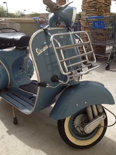 Vintage Vespa - AZ