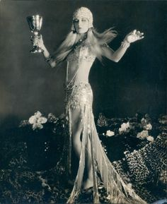 Grandma was a party girl: Evelyn Brent being Cleopatra in a portrait by Otto Dyar for the 1927 Paramount Cleopatra film that never was