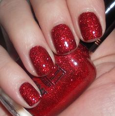 holiday nails, red sparkl, ruby slippers, christmas nails, ruby red slippers, winter nails, happy holidays, milani red, sparkly nails