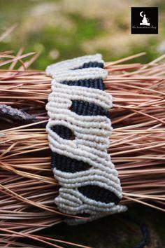 macrame zebra bracelet