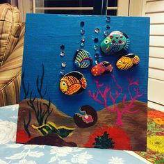 Stone Crafts, Rock Crafts, Diy Crafts, Beach Rock Art, Painted Rocks Craft, Clay Art Projects, Rock And Pebbles, Quilling Designs, Fish Art