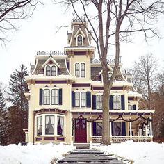 Victorian Homes Exterior, Victorian Style Homes, Victorian Architecture, Victorian Houses, Victorian Decor, Victorian Era, Beautiful Buildings, Beautiful Homes, This Old House