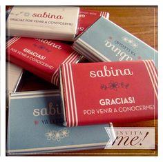 Set de canastitas con chocolatines personalizados. Pedí el tuyo a  hola@invita-me.com.ar