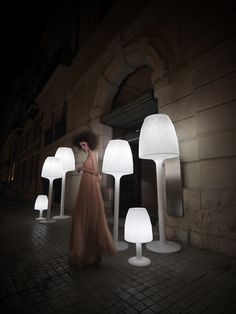 The Vases Floor Lamp was designed by JM Ferrero for Vondom and is the perfect outdoor lamp. The Vases Floor Lamp is made of transparent synthetic material and Outdoor Floor Lamps, Led Floor Lamp, Patio Lighting, Outdoor Flooring, Outdoor Lounge, Outdoor Rooms, Outdoor Ideas, Indoor Outdoor, Outdoor Decor