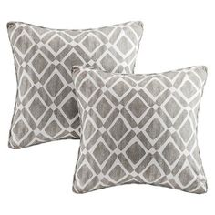 Madison Park Delray Diamond pillow features a printed diamond motif available in multiple colors with self-piping trim for a clean finished edge. Pillows are made from a cotton twill blend for a soft textured feel. Set includes two x pillows. Blue Throw Pillows, Throw Pillow Sets, Toss Pillows, Accent Pillows, Pillows Online, Look Chic, Peach Colors, Leather Sofa, Baby Clothes Shops